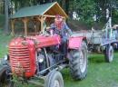 Traktor mit Anhänger und Salamon
